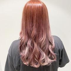ピンクバイオレット ピンクベージュ ラベンダーピンク ガーリー ヘアスタイルや髪型の写真・画像