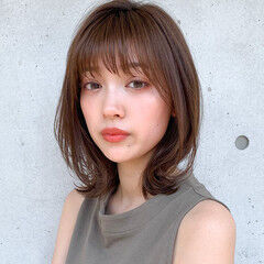 デジタルパーマ 透明感カラー ミディアム 小顔ヘア ヘアスタイルや髪型の写真・画像