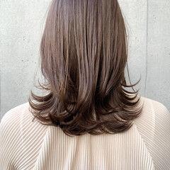 鎖骨ミディアム ミディアム 髪質改善トリートメント オリーブベージュ ヘアスタイルや髪型の写真・画像