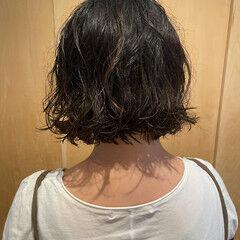 大人可愛い ナチュラル ゆるふわパーマ ボブ ヘアスタイルや髪型の写真・画像