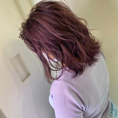 透明感カラー ピンクベージュ 切りっぱなしボブ ブリーチ必須 ヘアスタイルや髪型の写真・画像