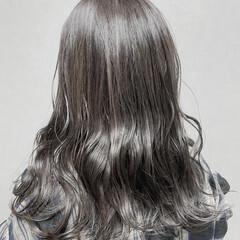 セミロング デート アッシュグレージュ アディクシーカラー ヘアスタイルや髪型の写真・画像