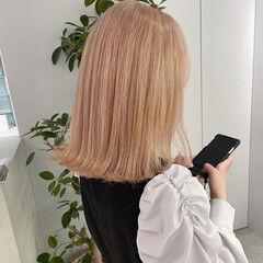 ミルクティーグレージュ ダブルカラー ミルクティー フェミニン ヘアスタイルや髪型の写真・画像