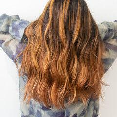 アプリコットオレンジ ハイトーンカラー エレガント ハイライト ヘアスタイルや髪型の写真・画像