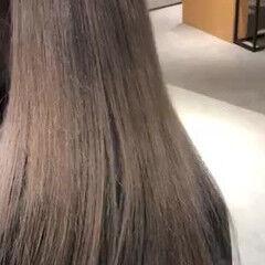グレージュ ミルクティーベージュ ナチュラル ラベージュ ヘアスタイルや髪型の写真・画像