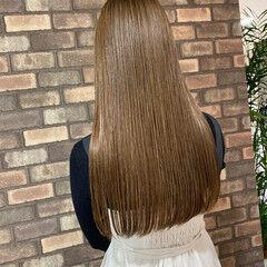 アッシュベージュ イルミナカラー 大人ロング ロング ヘアスタイルや髪型の写真・画像