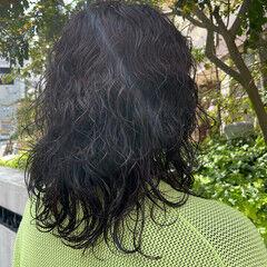 ゆるふわパーマ ニュアンスウルフ モード パーマ ヘアスタイルや髪型の写真・画像