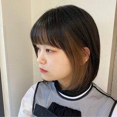 前髪インナーカラー インナーカラー ベージュカラー ボブ ヘアスタイルや髪型の写真・画像