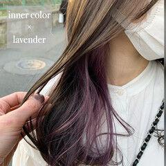 ラベンダー イヤリングカラー インナーラベンダー ナチュラル ヘアスタイルや髪型の写真・画像