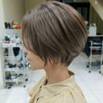ミニボブ 斜め前髪 ショートヘア コントラストハイライト