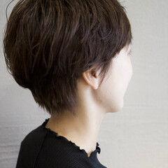 ベリーショート ショート グレージュ ナチュラル ヘアスタイルや髪型の写真・画像