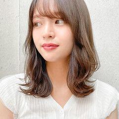 インナーカラー 小顔ヘア 透明感 くびれカール ヘアスタイルや髪型の写真・画像