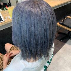 シルバーグレー シルバーアッシュ ストリート ブルー ヘアスタイルや髪型の写真・画像