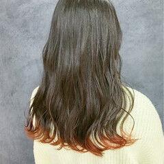 セミロング 初カラー オレンジカラー フェミニン ヘアスタイルや髪型の写真・画像