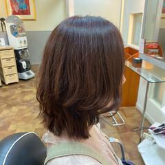 フェミニン 外ハネ 秋ブラウン ミディアム ヘアスタイルや髪型の写真・画像