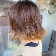 インナーカラー フェミニン ポイントカラー メッシュ ヘアスタイルや髪型の写真・画像