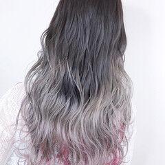 グラデーションカラー インナーピンク 外国人風 インナーカラーパープル ヘアスタイルや髪型の写真・画像