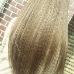 アッシュ ナチュラル マット ロング ヘアスタイルや髪型の写真・画像