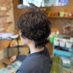 パーマ ウルフパーマ ショート ナチュラル ヘアスタイルや髪型の写真・画像