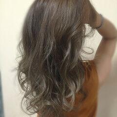 ロング ナチュラル 透明感 スパイラルパーマ ヘアスタイルや髪型の写真・画像