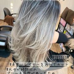 レイヤーカット ミディアム グラデーションカラー ギャル ヘアスタイルや髪型の写真・画像