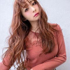 レイヤースタイル ピンクベージュ ほつれウエーブ シースルーバング ヘアスタイルや髪型の写真・画像