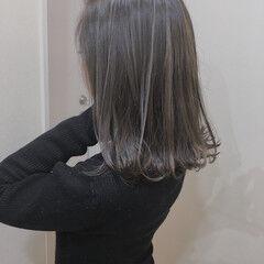 ふわふわ バレイヤージュ ミディアム 大人ハイライト ヘアスタイルや髪型の写真・画像