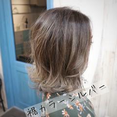 フェミニン ミディアム 外ハネ 3Dハイライト ヘアスタイルや髪型の写真・画像