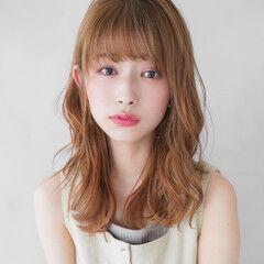 セミロング シースルーバング フェミニン 似合わせカット ヘアスタイルや髪型の写真・画像