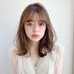 シースルーバング デジタルパーマ アンニュイほつれヘア フェミニン ヘアスタイルや髪型の写真・画像