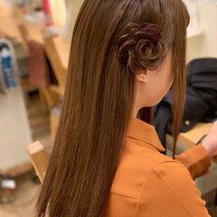 三つ編み ロング ナチュラル お花ヘア ヘアスタイルや髪型の写真・画像