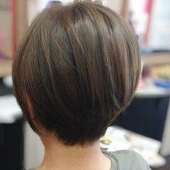 ナチュラル ショート アッシュベージュ アッシュブラウン ヘアスタイルや髪型の写真・画像