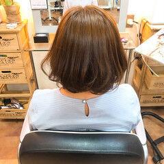 ベージュ ボブ ミルクティーベージュ フェミニン ヘアスタイルや髪型の写真・画像