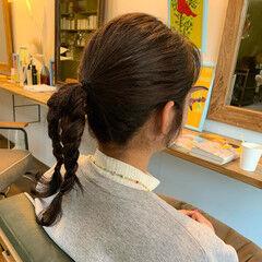 セミロング ヌーディベージュ ラベンダーアッシュ ポニーテールアレンジ ヘアスタイルや髪型の写真・画像
