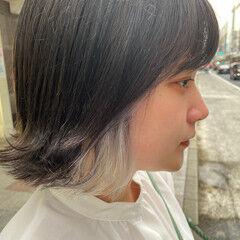 ホワイトブリーチ ミニボブ 切りっぱなしボブ アッシュベージュ ヘアスタイルや髪型の写真・画像