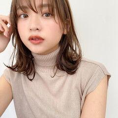 簡単スタイリング 大人かわいい 簡単ヘアアレンジ レイヤーカット ヘアスタイルや髪型の写真・画像