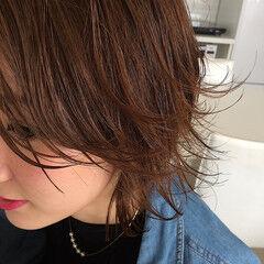 ワンカールスタイリング フェミニン 外ハネ ショートレイヤー ヘアスタイルや髪型の写真・画像