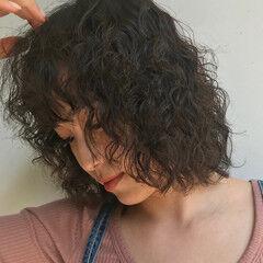 ゆるふわパーマ 大人かわいい くせ毛風 パーマ ヘアスタイルや髪型の写真・画像