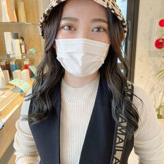 セミロング ロングヘア ガーリー 透明感カラー ヘアスタイルや髪型の写真・画像
