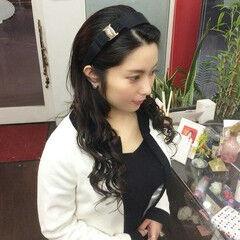 ナチュラル 巻き髪 ロング カチューシャ ヘアスタイルや髪型の写真・画像