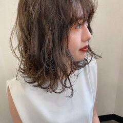 大人可愛い ミント 秋冬スタイル 波巻き ヘアスタイルや髪型の写真・画像