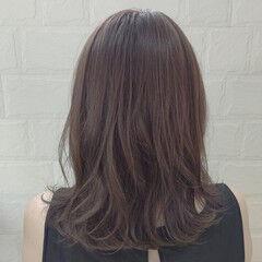 モーブ ナチュラル シルバー ミディアム ヘアスタイルや髪型の写真・画像