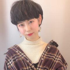 オシャレ デート ショート ナチュラル ヘアスタイルや髪型の写真・画像