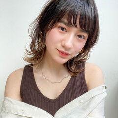 ウルフカット レイヤーカット ミディアムレイヤー ナチュラル ヘアスタイルや髪型の写真・画像