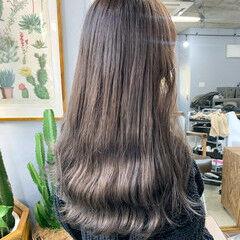 カーキアッシュ ナチュラル オリーブアッシュ オリーブカラー ヘアスタイルや髪型の写真・画像