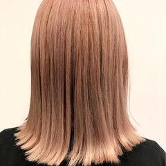 切りっぱなし ガーリー ピンク 外ハネ ヘアスタイルや髪型の写真・画像