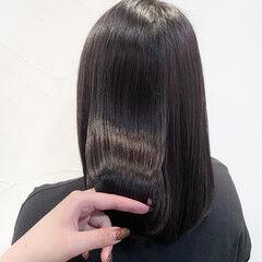 セミロング ブルーアッシュ うる艶カラー ナチュラル ヘアスタイルや髪型の写真・画像