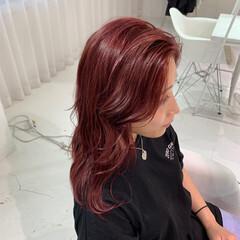 ウェーブ ストリート 韓国 赤髪 ヘアスタイルや髪型の写真・画像