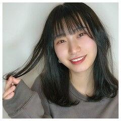 ダークグレー ミディアム ツヤ髪 可愛い ヘアスタイルや髪型の写真・画像