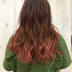 グラデーションカラー ロング ピンク レッド ヘアスタイルや髪型の写真・画像